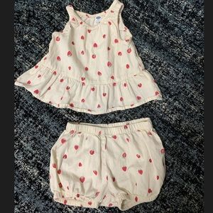 Strawberry outfit for toddler girl. 🍓